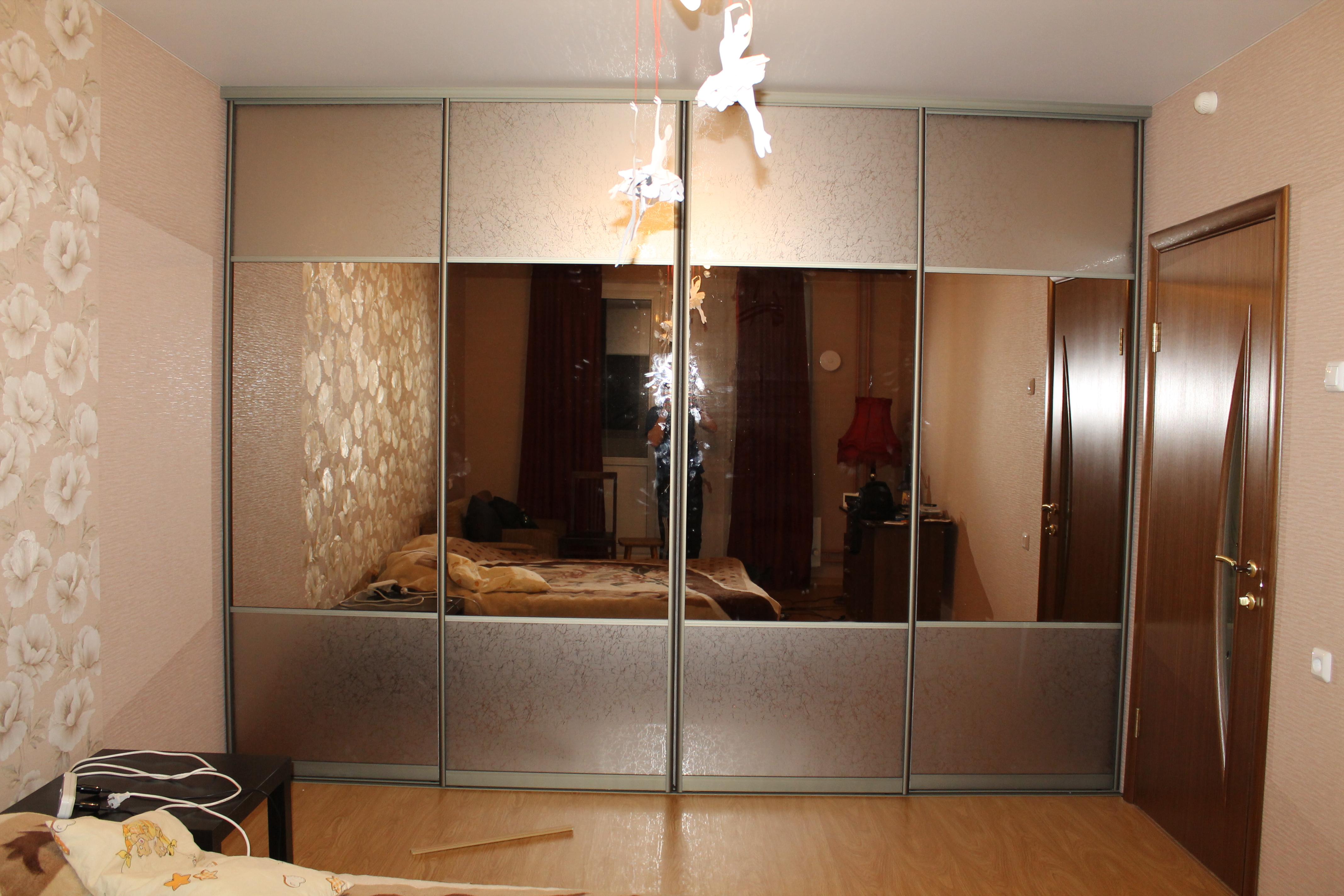 Фото встроенных шкафов купе и дверей купе от shkaf4555.ru.