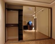 Двери для встроенных шкафов